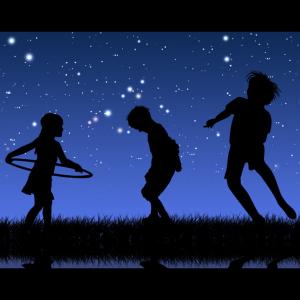 Plaza Nights Under The Stars / Noche de Plaza Bajo Las Estrellas