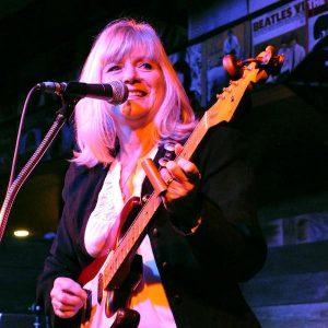 Angel From Montgomery – Tribute to Bonnie Raitt