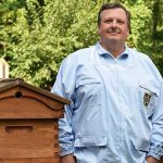 LOCAL>> Frank Mortimer – Bee People and the Bugs they Love