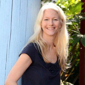 LOCAL>> Online Class: Nina Schuyler - How to Write Stunning Sentences