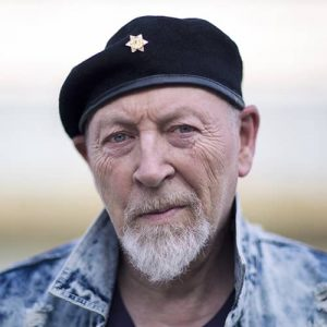 LOCAL>> Richard Thompson – Beeswing: Losing My Way and Finding My Voice